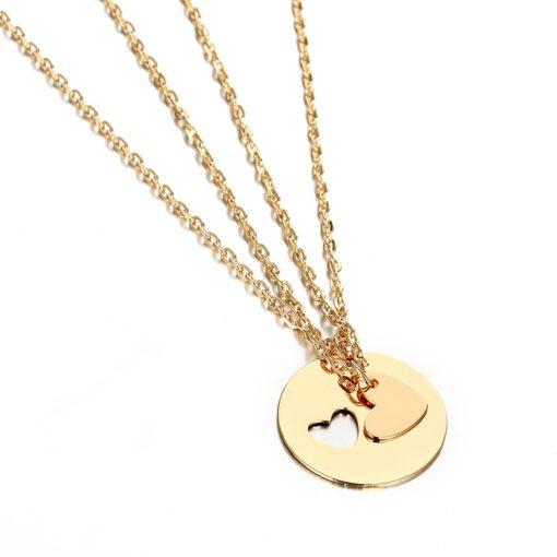 collier medaille avec coeur